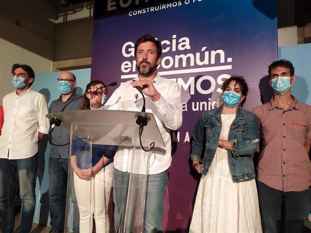 Antón Gómez-Reino y los candidatos de Galicia En Común-Anova Mareas comparecen ante los medios en la noche electoral de las autonómicas del 12 J