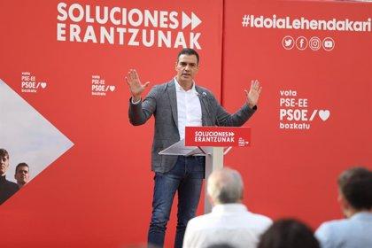 Sánchez felicita a Feijóo e Urkullu polas súas vitorias e asume que seguirán gobernando