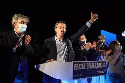 """Feijóo brinda su triunfo al PP y a Casado, y asegura que será un presidente """"constitucional y leal"""""""