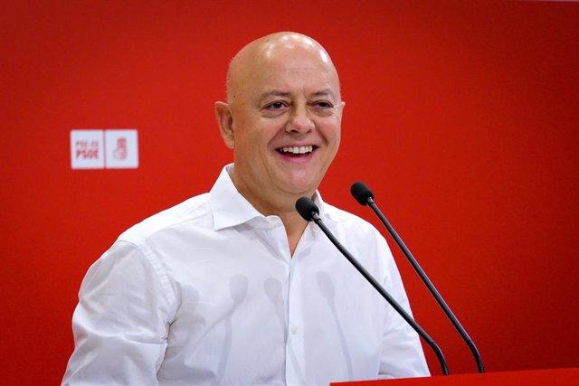 El cabeza de lista del PSOE al Congreso por Guipuzcoa, Odón Elorza, interviene en el acto político socialista, en Irún (Guipúzcoa/País Vasco/España) a 13 de octubre de 2019.
