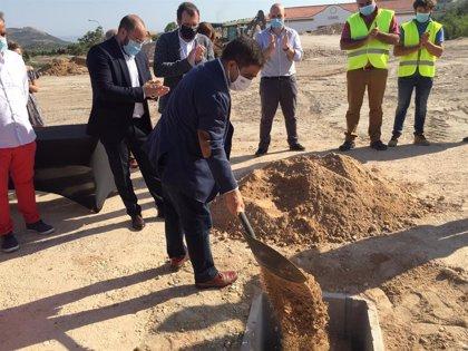 Bedmar (Jaén) acoge la colocación de la primera piedra para la instalación de la empresa Plastbed