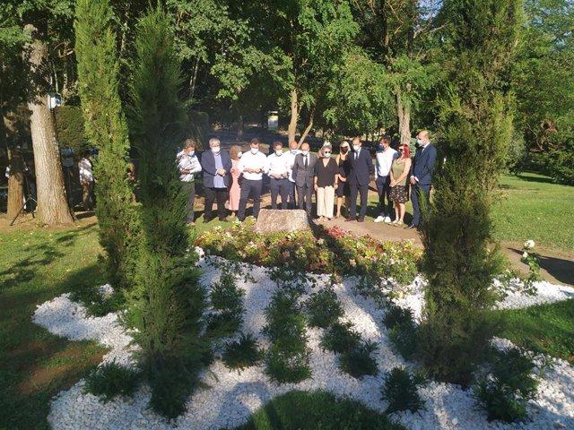 Cáceres inaugura un jardín en memoria de las víctimas del coronavirus