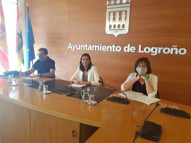 El Ayuntamiento y la Cátedra de Comercio de la UR trabajan en un nuevo Plan Estratégico del Comercio de Logroño y en protocolos de calidad para una mejora en la atención personal y del servicio para hacer frente a la Covid-19.