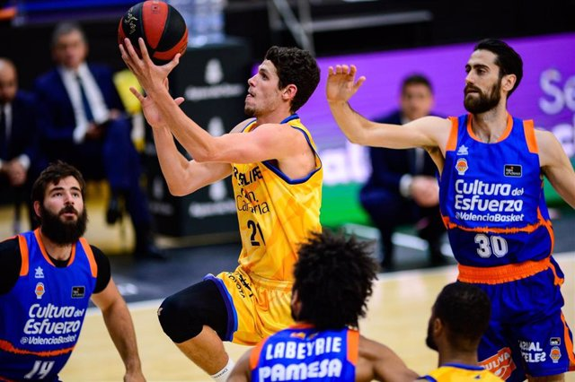 El alero Oriol Paulí en un partido del Herbalife Gran Canaria contra Valencia Basket