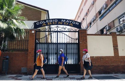 El delegado de Salud en Málaga señala que casi la mitad de los rebrotes se están generando en reuniones familiares