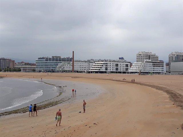 Playa de Poniente (Archivo)