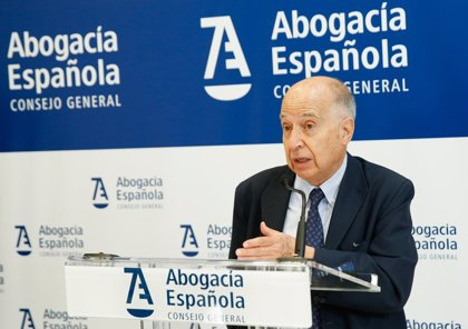 Tres millones de españoles, de los 35 con más de 18 años, se consideran usuarios de la asistencia jurídica gratuita