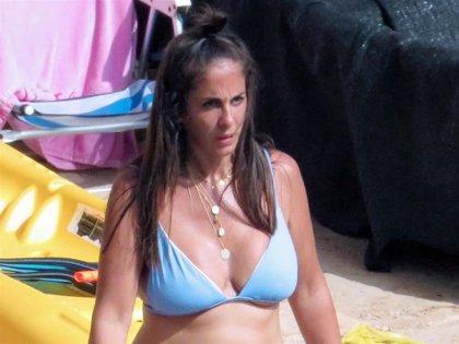 Anabel Pantoja presume de curvas con un rotundo posado en bikini