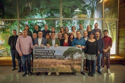 El Prat de Llobregat (Barcelona) celebra la resolución del Parlament sobre ampliar el Aeropuerto