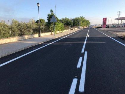 La Junta invierte 42.000 euros en el refuerzo del firme de la carretera A-379 en La Guijarrosa (Córdoba)
