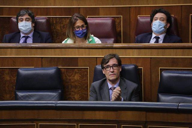 El ministro de Sanidad, Salvador Illa (2d), durante una sesión plenaria para debatir sobre el Decreto Ley 21/2020, o decreto de la 'nueva normalidad', que rige en España desde el término del estado de alarma, en Madrid (España), a 25 de junio de 2020.