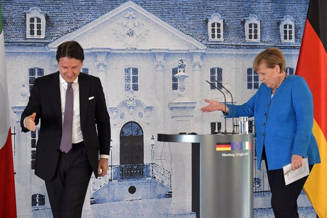 El primer ministro italiano, Giuseppe Conte, y la canciller alemana, Angela Merkel