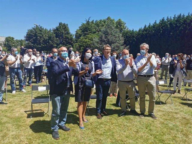 El presidente del PPdeG, Alberto Núñez Feijóo, junto a los presidentes del partido en la provincia de Ourense, Manuel Baltar; en Lugo, Elena Candia; en Pontevedra, Alfonso Rueda; y el secretario general, Miguel Tellado.