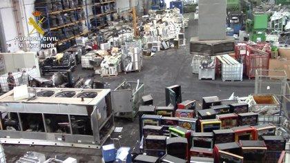 Cinco detenidos en una empresa de Aznalcóllar (Sevilla) por trato inadecuado de residuos nocivos y fraude de 16 millones