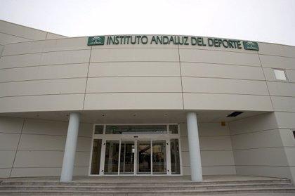 El Instituto Andaluz del Deporte imparte las primeras clases presenciales tras la crisis sanitaria del COVID-19