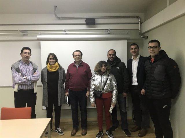 Personal investigador de la Universidad de Oviedo que realiza un trabajo sobre la 'Protección de los menores en el deporte'.