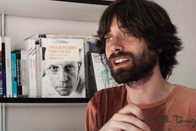 El escritor Juan Gómez Bárcena