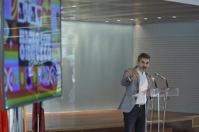 El delegado del Área de Familias, Igualdad y Bienestar Social de Madrid Pepe Aniorte