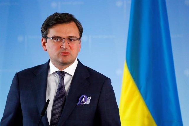 Dimitro Kuleba, ministro de Exteriores de Ucrania, en una rueda de prensa en Berlín