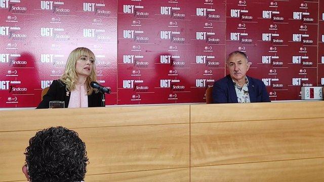 Secretario general de UGT, Pepe Álvarez, y la de Andalucía, Carmen Castilla, en rueda de prensa este martes