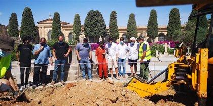 La tareas de exhumación de la fosa de Son Coletes de Manacor empiezan por la jardinera central