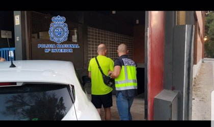 Detenido un individuo por robar el bolso a una mujer y por atropellarla cuando trató de recuperarlo