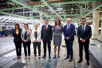 """Puig espera que la Comunitat pueda acoger una """"megafactoría"""" de baterías de coches eléctricos"""