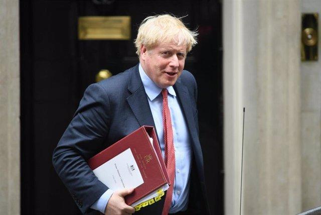 El primer ministro de Reino Unido, Boris Johnson, saliendo del 10 Downing Street