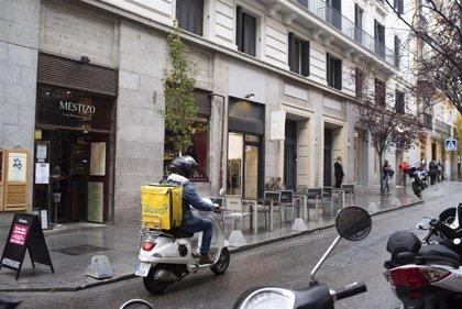 Glovo colabora con la Fundación Real Madrid con la entrega de una cena benéfica 'online'