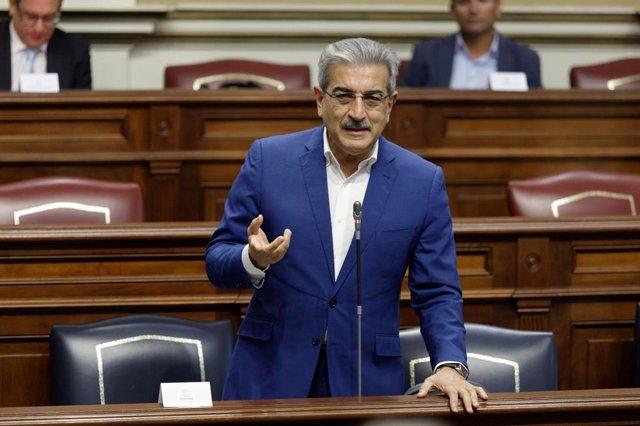 El consejero de Hacienda, Presupuestos y Asuntos Europeos del Gobierno de Canarias, Román Rodríguez