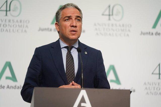 El consejero de la Presidencia, Administración Pública e Interior y portavoz del Gobierno andaluz, Elías Bendodo, en la rueda de prensa posterior al Consejo de Gobierno.