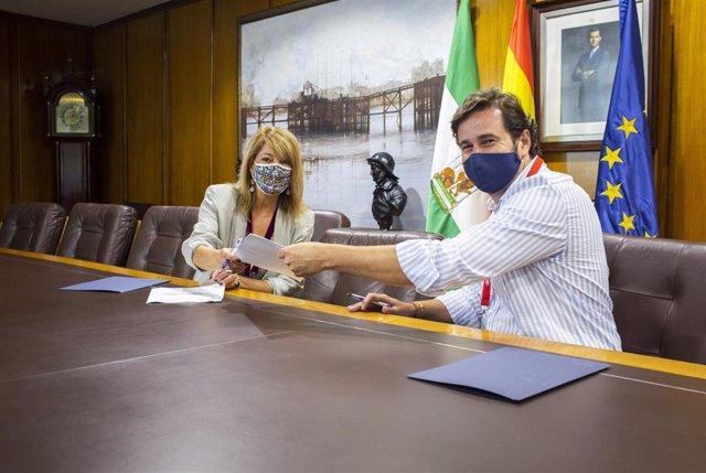 Acuerdo entre el puerto y la Cámara de Comercio.
