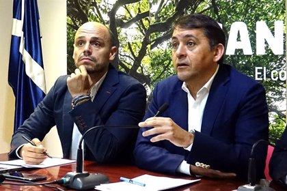 Bermúdez entrega Fiestas a Alfonso Cabello y Gladis de León pasa a Cultura
