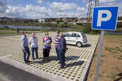 Camargo abre un nuevo aparcamiento junto al parque de la antigua marisma de Cacho