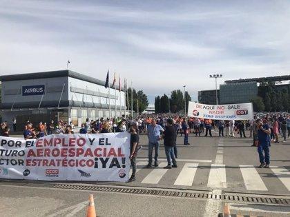 Más de 1.000 trabajadores de Airbus se concentran en la puerta de la empresa en defensa del empleo