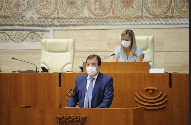 El presidente de la Junta de Extremadura, Guillermo Fernández Vara, en el Debate sobre el Estado de la Región