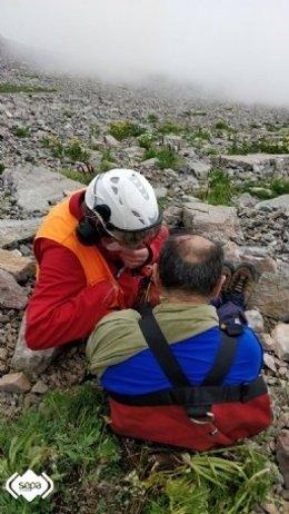 Evacuado al HUCA en helicóptero un montañero herido en Lena