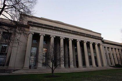 La Casa Blanca da marcha atrás y retira la suspensión de visados para estudiantes extranjeros que realicen cursos online