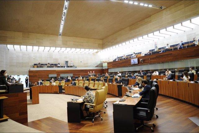 Debate sobre el Estado de la Región en la Asamblea de Extremadura