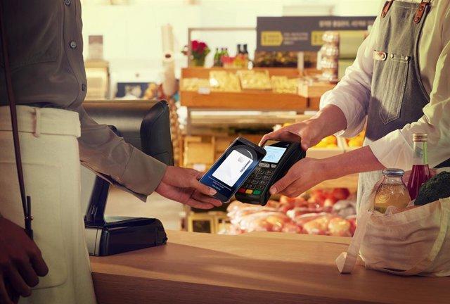 Los pagos a través del 'smartphone' se consolidan durante la pandemia a pesar de