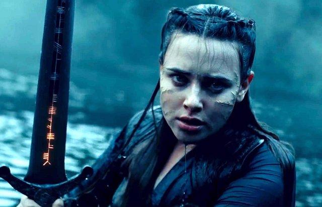 """Katherine Langford protagoniza Maldita, nueva serie de Netflix: """"Las leyendas nunca han contado la historia de las mujeres"""""""
