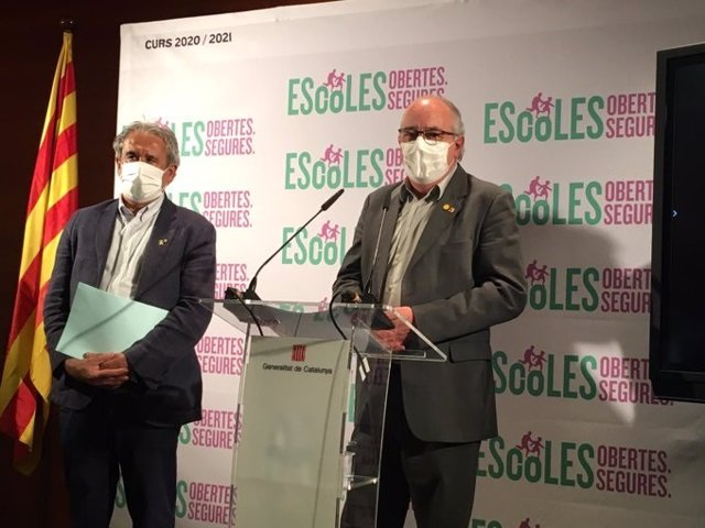 El director general de Professorat i Personal de Centres Públics, Ignasi Garcia Plata, i el conseller d'Educació, Josep Bargalló.