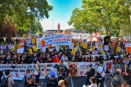 """Miles de empleados de Nissan exigen en Madrid """"implicación política"""" para las plantas catalanas"""