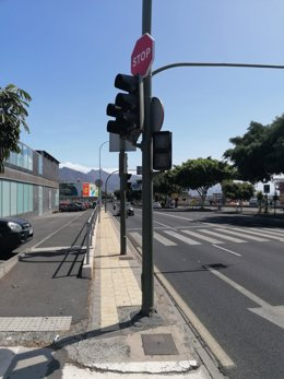 Calles de Santa Cruz de Tenerife ante el cero energético en la isla, con semáforos apagados