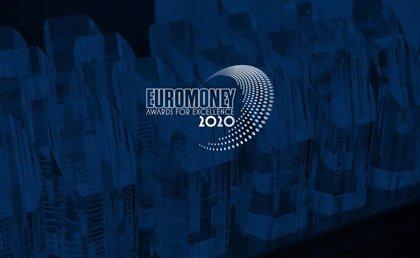 Banco Santander, BBVA y CaixaBank, premiados por la revista Euromoney
