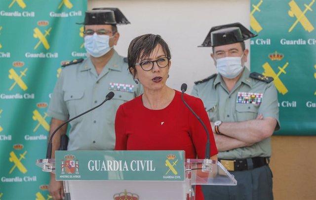 La directora general de la Guardia Civil, María Gámez, durante la rueda de prensa ofrecida en València.