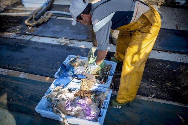 Más de 2.600 pescadores celebran mañana la Virgen del Carmen con un llamamiento