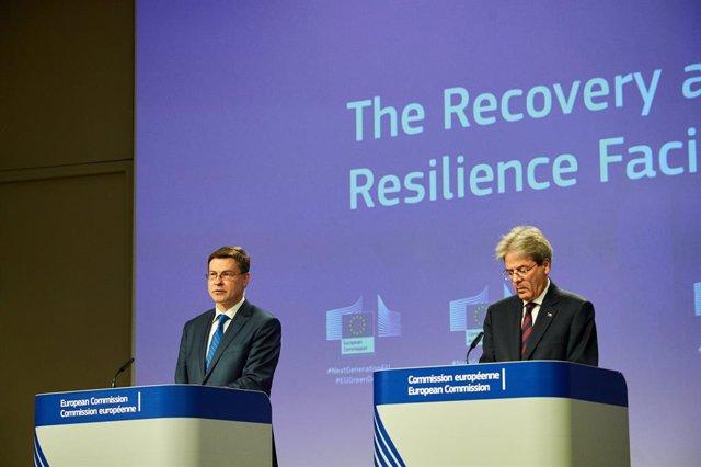 """UE.- Bruselas plantea medidas para combatir el """"escándalo"""" de la evasión fiscal"""