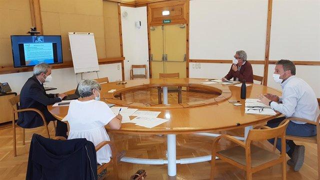 Reunión del consejo rector del Aeropuerto de Teruel por videoconferencia.