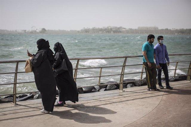 Mujeres en la ciudad de Yeda, en Arabia Saudí